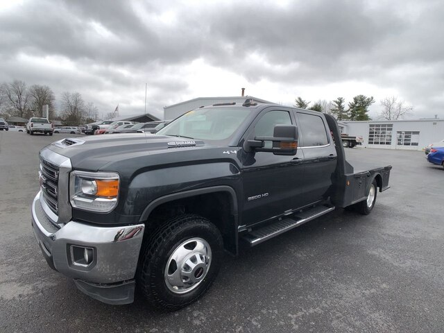 2018 GMC Sierra 3500 Crew Cab DRW 4x4, Platform Body #M20266A1 - photo 1