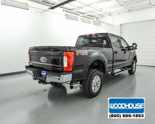 2017 F-250 Crew Cab 4x4, Pickup #T173879 - photo 2