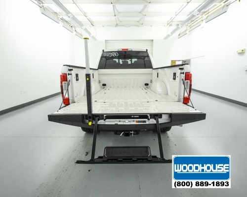 2017 F-250 Crew Cab 4x4, Pickup #T173980 - photo 6