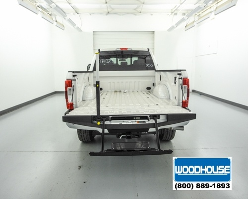 2017 F-250 Crew Cab 4x4, Pickup #T174029 - photo 6