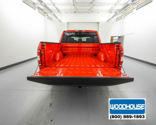 2018 F-150 Crew Cab 4x4, Pickup #T180251 - photo 6