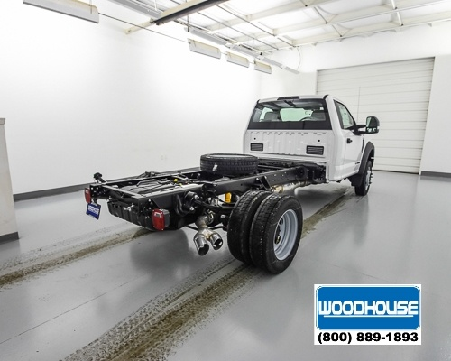 2018 F-550 Regular Cab DRW 4x4, Cab Chassis #T180811 - photo 2