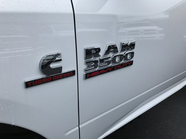2017 Ram 3500 Regular Cab 4x4 Cab Chassis #R170493 - photo 6