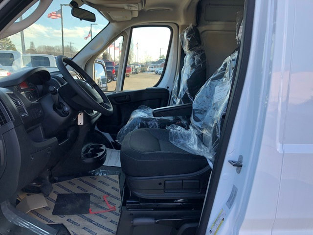 2018 ProMaster 2500 High Roof, Cargo Van #R180085 - photo 13