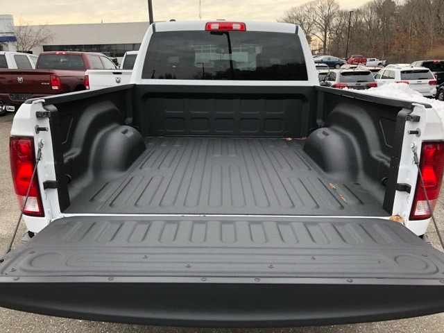 2018 Ram 1500 Quad Cab 4x4, Pickup #R180100 - photo 6