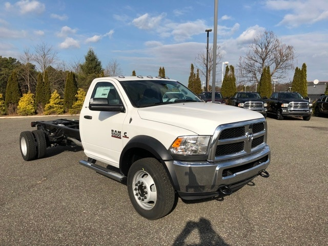 2018 Ram 5500 Regular Cab DRW 4x4 Cab Chassis #R180169 - photo 4