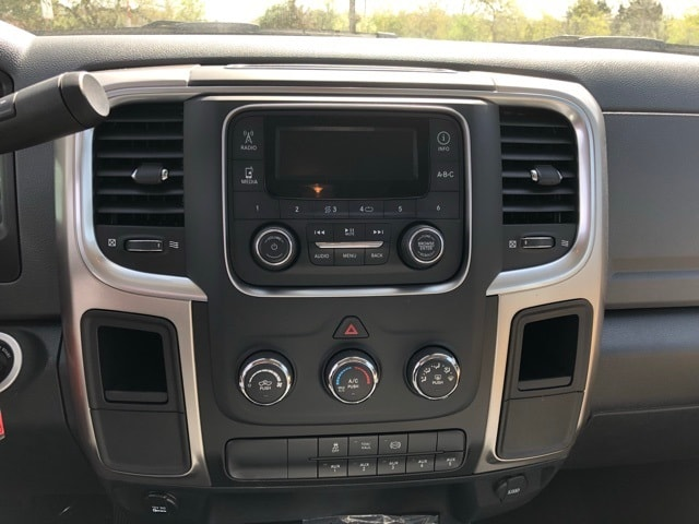 2018 Ram 5500 Regular Cab DRW 4x4,  Cab Chassis #R180249 - photo 19