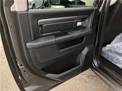 2018 Ram 1500 Crew Cab 4x4, Pickup #R180286 - photo 26