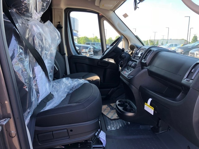 2018 ProMaster 2500 High Roof 4x2,  Empty Cargo Van #R180449 - photo 28