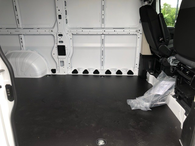 2018 ProMaster 2500 High Roof 4x2,  Empty Cargo Van #R180450 - photo 33