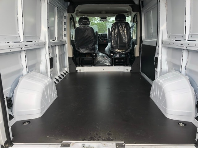 2018 ProMaster 2500 High Roof 4x2,  Empty Cargo Van #R180450 - photo 2