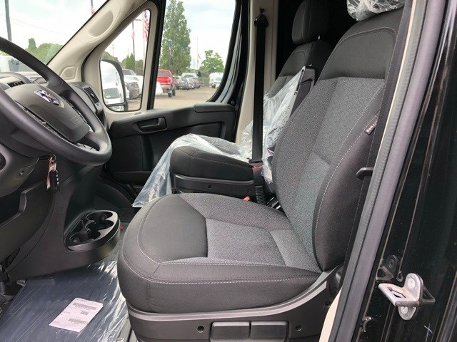 2018 ProMaster 2500 High Roof FWD,  Empty Cargo Van #R180461 - photo 8