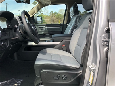 2019 Ram 1500 Crew Cab 4x4, Pickup #R190010 - photo 17
