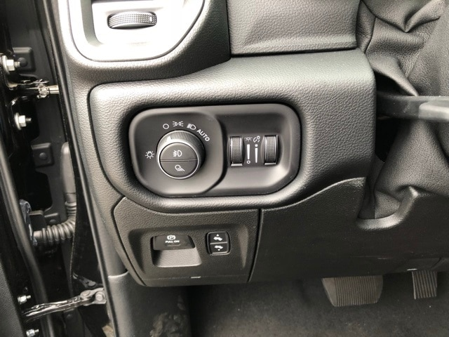 2019 Ram 1500 Crew Cab 4x4,  Pickup #R190015 - photo 23