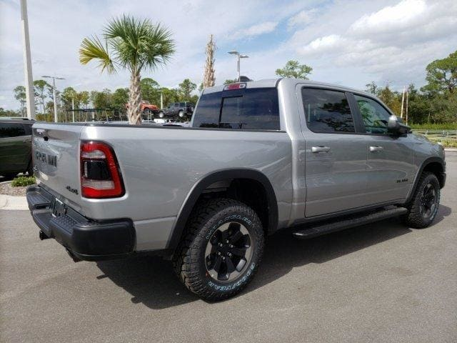 2019 Ram 1500 Crew Cab 4x4,  Pickup #N573852 - photo 4