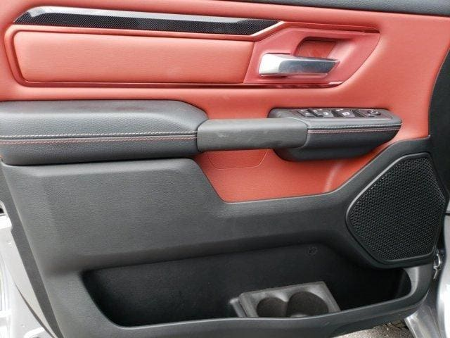 2019 Ram 1500 Crew Cab 4x4,  Pickup #N618174 - photo 8