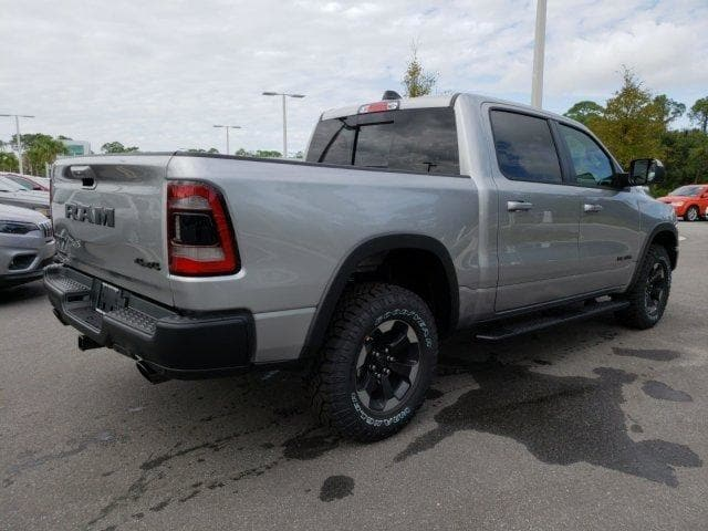 2019 Ram 1500 Crew Cab 4x4,  Pickup #N618174 - photo 4