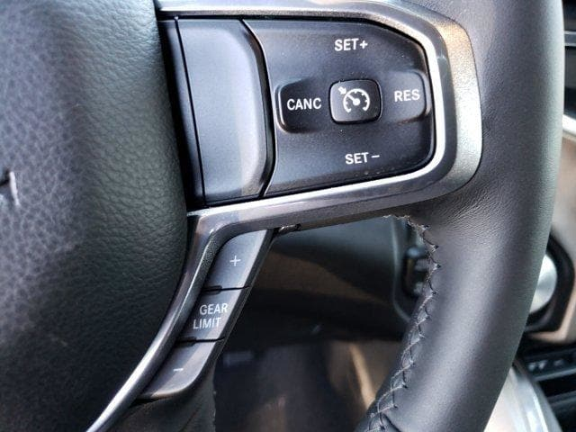 2019 Ram 1500 Crew Cab 4x4,  Pickup #N692035 - photo 18