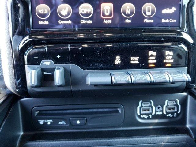 2019 Ram 1500 Crew Cab 4x4,  Pickup #N692035 - photo 23