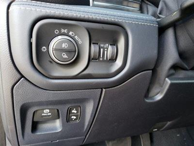 2019 Ram 1500 Crew Cab 4x4,  Pickup #N692087 - photo 27