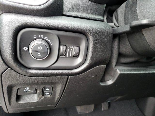 2019 Ram 1500 Quad Cab 4x2,  Pickup #N735286 - photo 24