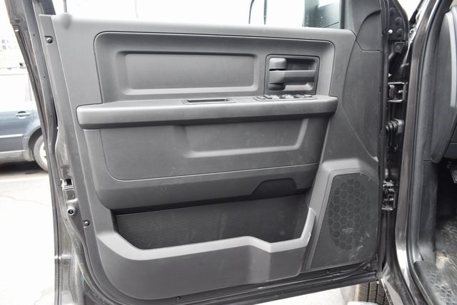 2018 Ram 3500 Crew Cab DRW 4x4,  Platform Body #A208819 - photo 8