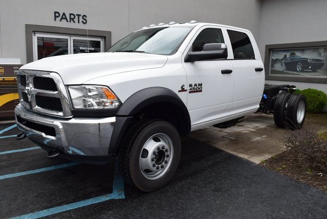 2018 Ram 4500 Crew Cab DRW 4x4,  Cab Chassis #A258586 - photo 4