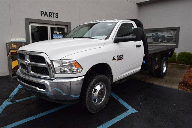 2017 Ram 3500 Regular Cab DRW 4x4,  Platform Body #A500784 - photo 4