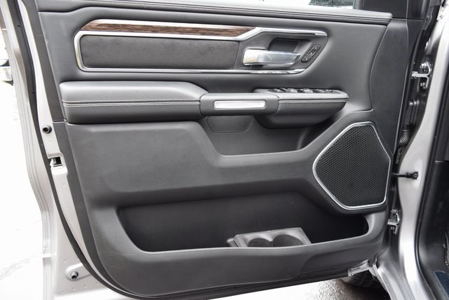 2019 Ram 1500 Crew Cab 4x4, Pickup #A504113 - photo 8