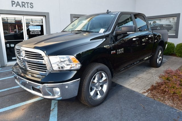 2017 Ram 1500 Crew Cab 4x4 Pickup #A522923 - photo 4