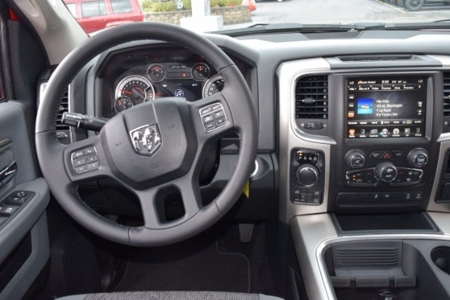 2017 Ram 1500 Crew Cab 4x4, Pickup #A524453 - photo 12