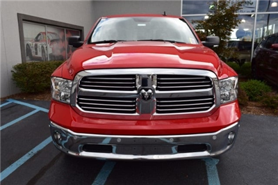 2017 Ram 1500 Crew Cab 4x4, Pickup #A524453 - photo 3
