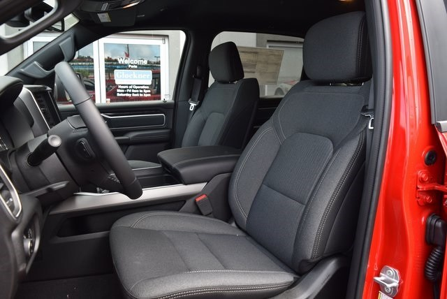 2019 Ram 1500 Crew Cab 4x4,  Pickup #A557670 - photo 9