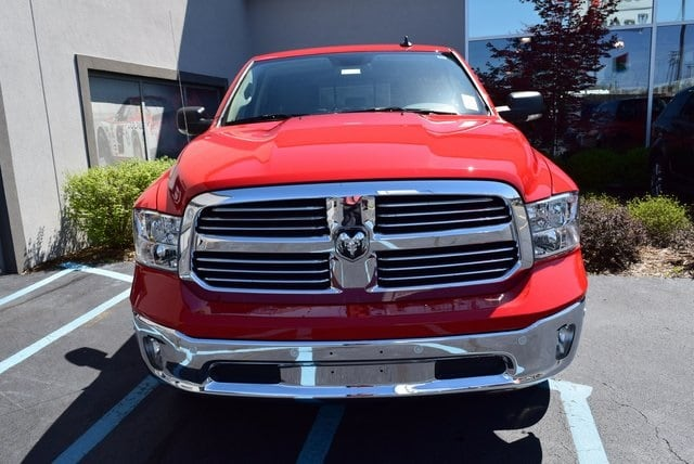 2017 Ram 1500 Crew Cab 4x4 Pickup #A681869 - photo 3