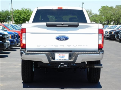 2018 F-250 Crew Cab 4x4, Pickup #00CC8092 - photo 2