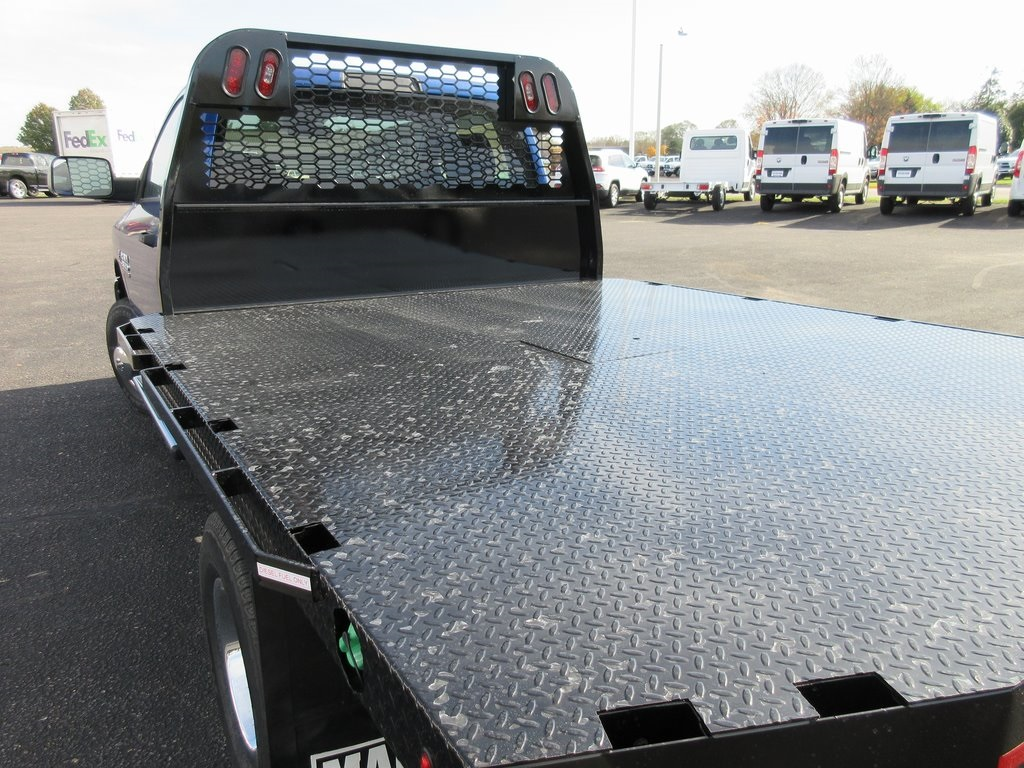 2018 Ram 3500 Regular Cab DRW 4x4, Knapheide Platform Body #J8010 - photo 28