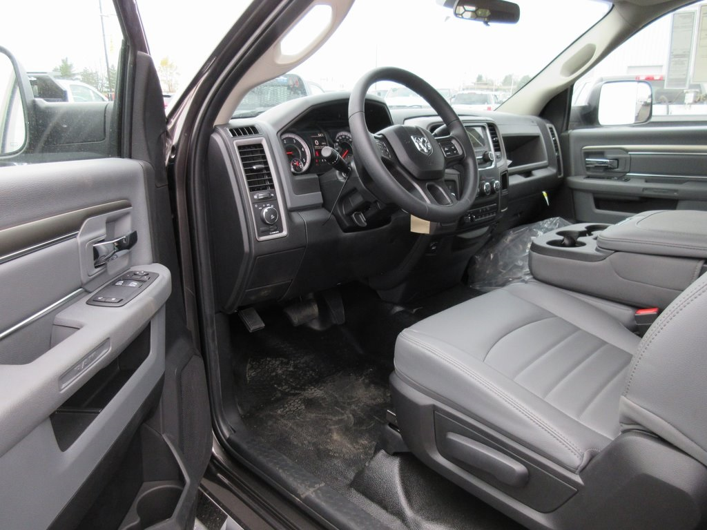 2018 Ram 3500 Regular Cab DRW 4x4, Knapheide Platform Body #J8011 - photo 10