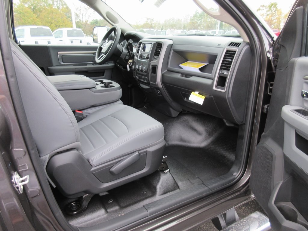 2018 Ram 3500 Regular Cab DRW 4x4, Knapheide Platform Body #J8011 - photo 32