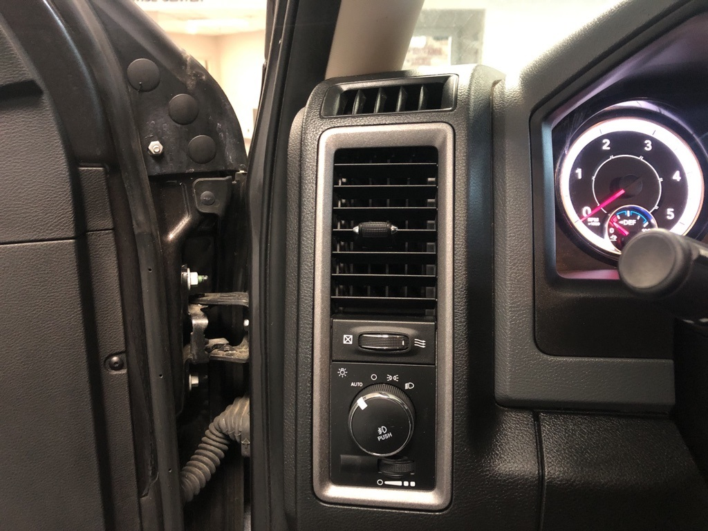 2018 Ram 3500 Regular Cab DRW 4x4, Cab Chassis #J8164 - photo 10