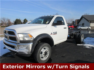 2018 Ram 4500 Regular Cab DRW 4x4, Cab Chassis #J8296 - photo 5