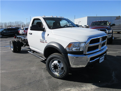 2018 Ram 5500 Regular Cab DRW 4x4, Cab Chassis #J8388 - photo 35