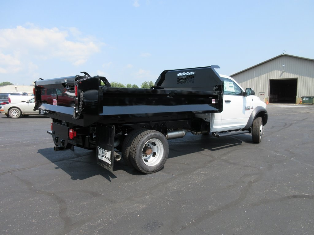 2018 Ram 5500 Regular Cab DRW 4x4,  Knapheide Rigid Side Dump Body #J8389 - photo 2
