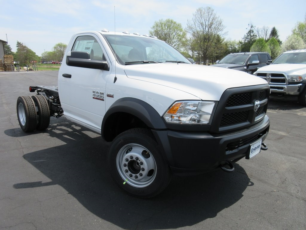 2018 Ram 4500 Regular Cab DRW 4x2,  Cab Chassis #J8507 - photo 3
