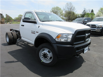 2018 Ram 4500 Regular Cab DRW, Cab Chassis #J8507 - photo 3