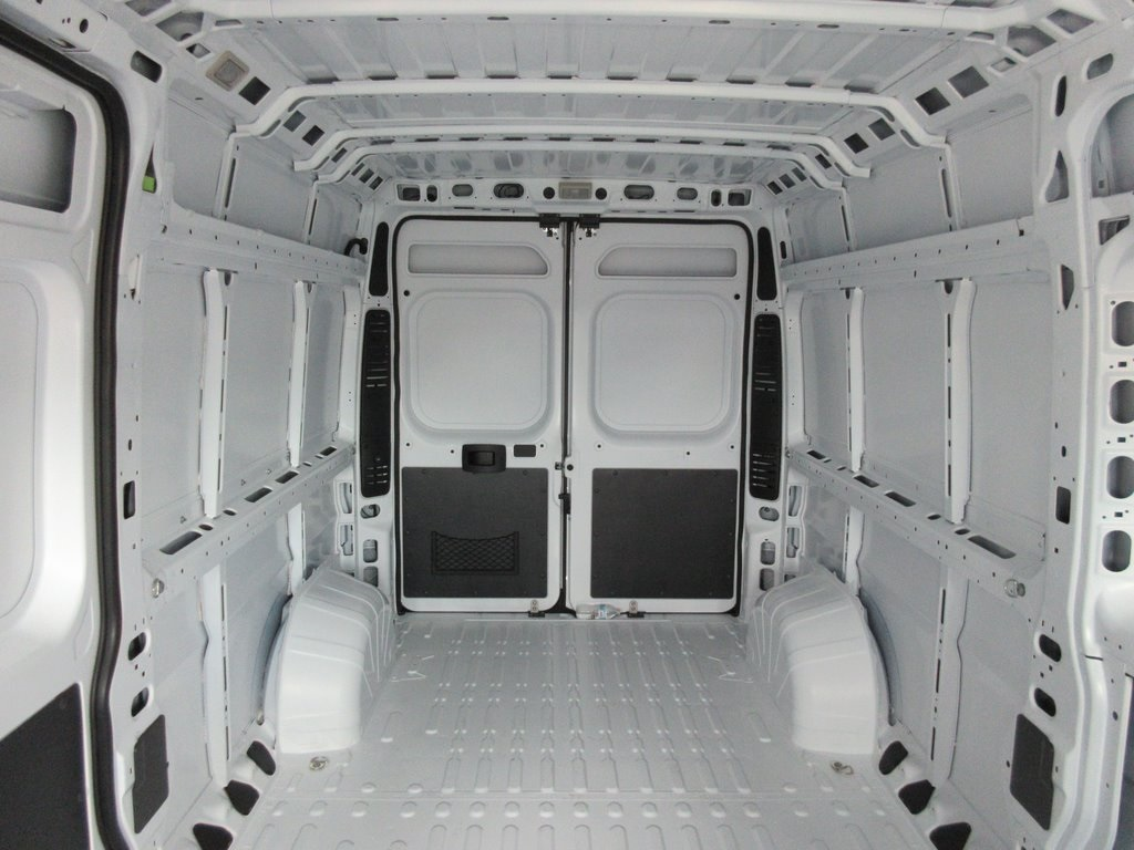 2018 ProMaster 2500 High Roof FWD,  Empty Cargo Van #J8546 - photo 23