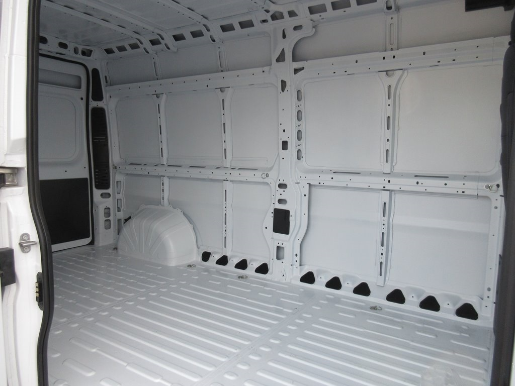 2018 ProMaster 2500 High Roof FWD,  Empty Cargo Van #J8546 - photo 24