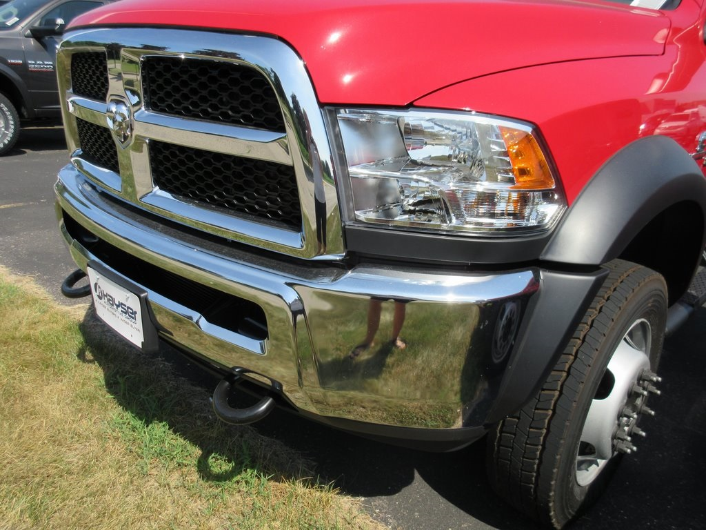 2018 Ram 5500 Regular Cab DRW 4x4,  Cab Chassis #J8646 - photo 24