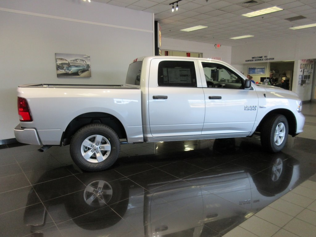 2018 Ram 1500 Crew Cab 4x4,  Pickup #J8666 - photo 7