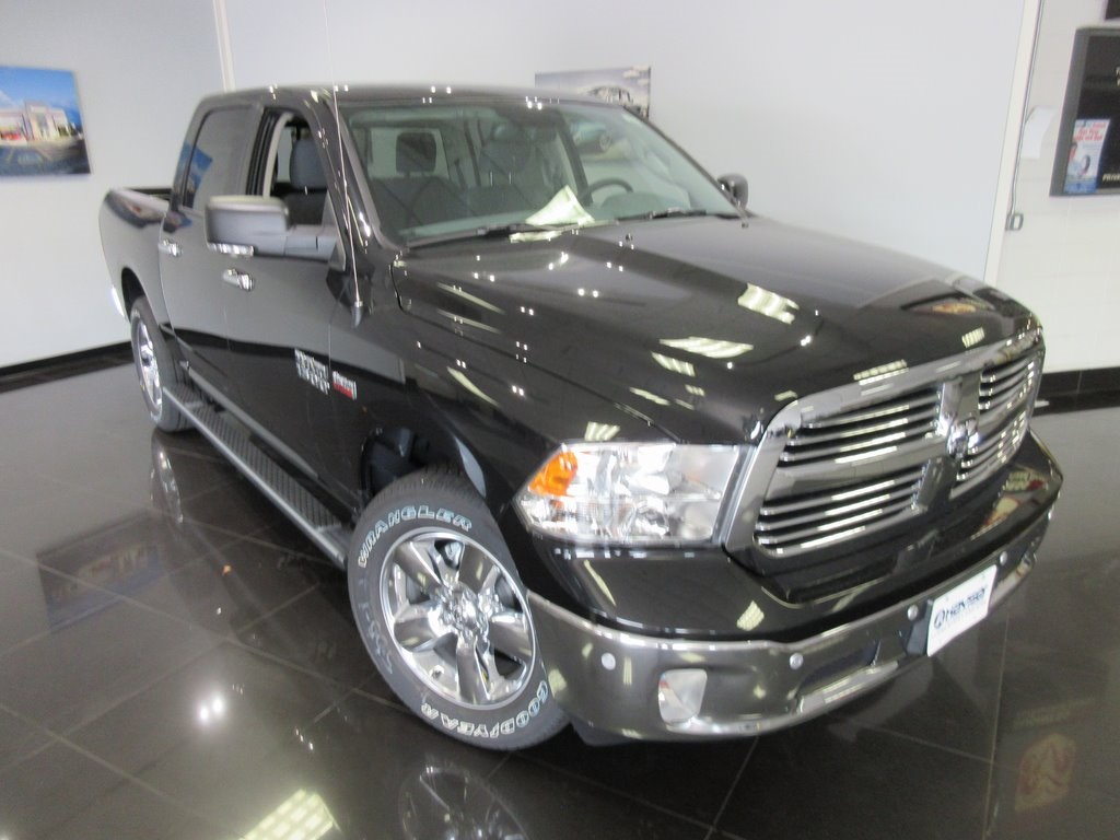 2018 Ram 1500 Crew Cab 4x4,  Pickup #J8830 - photo 3
