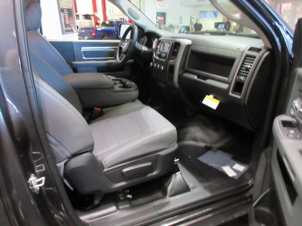 2019 Ram 1500 Regular Cab 4x4,  Pickup #K8935 - photo 27